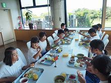 食堂でお昼を食べました